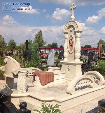 Мраморный памятник №70