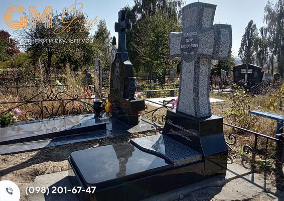 Гранитный крест на могилу PF-4