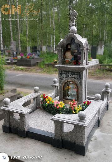 Памятник из серого гранита женщине №99