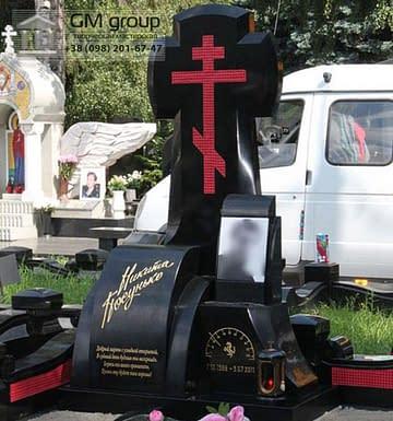 Памятник крест из гранита  №111
