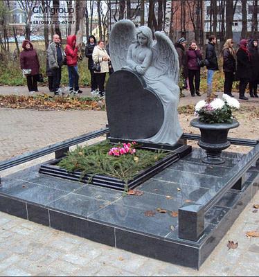 Скульптура Ангела из гранита №21