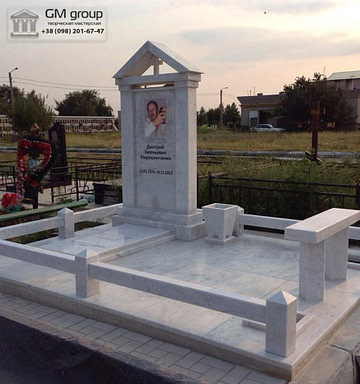 Мраморный памятник №33