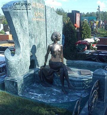 Памятник из зеленого гранита №66