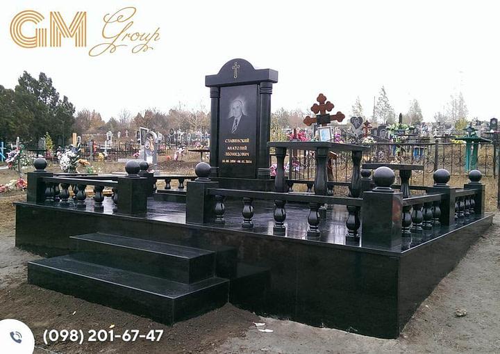 Мемориальный комплекс из черного гранита гранита №3293