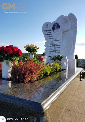 Мраморный памятник женщине с барельефом ангела PF-19
